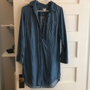 Denim button up dress. 3/4 sleeve. Loose fitting.